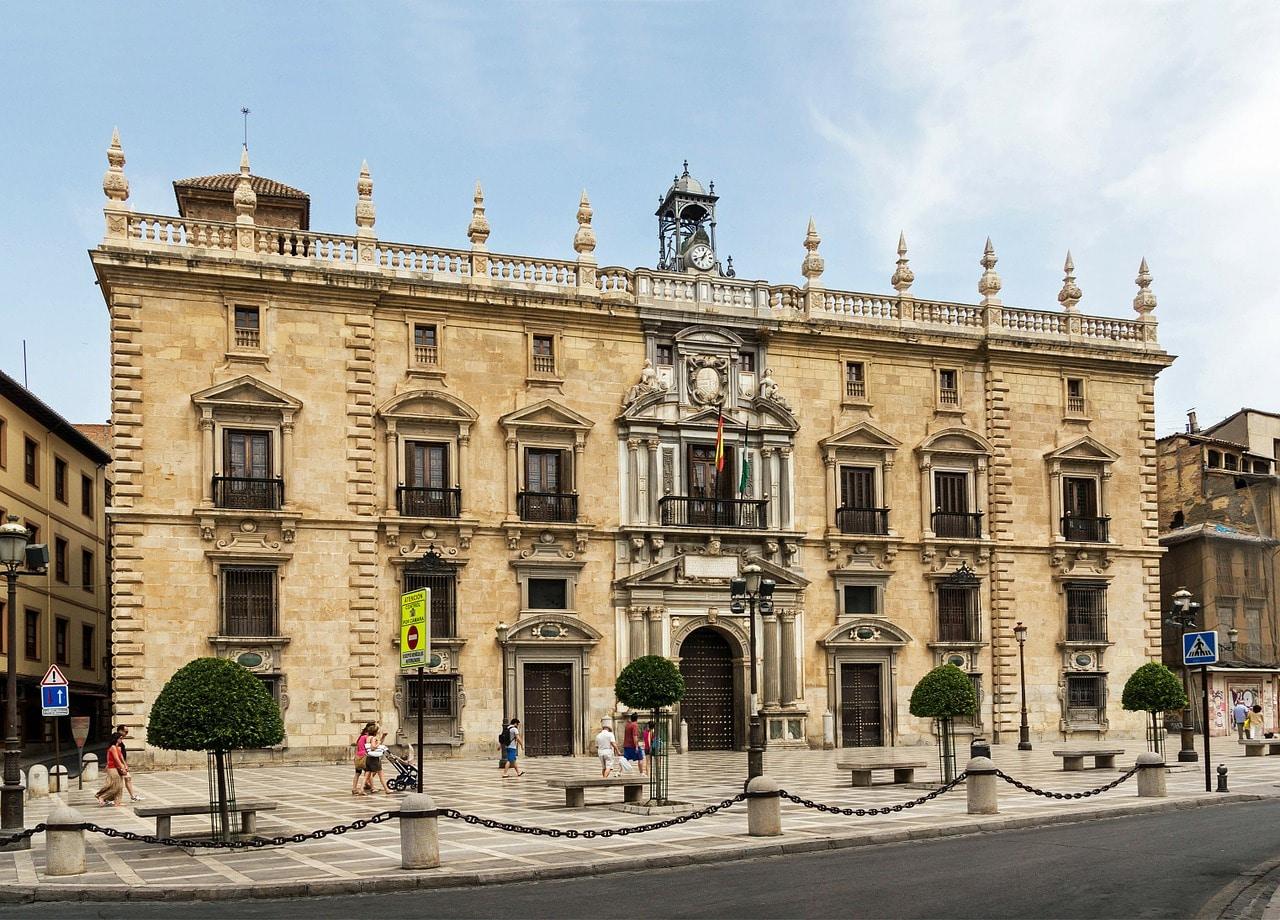 """""""Ruta: Visitas alrededor de la Catedral de Granada / Real Chancillería de Granada"""