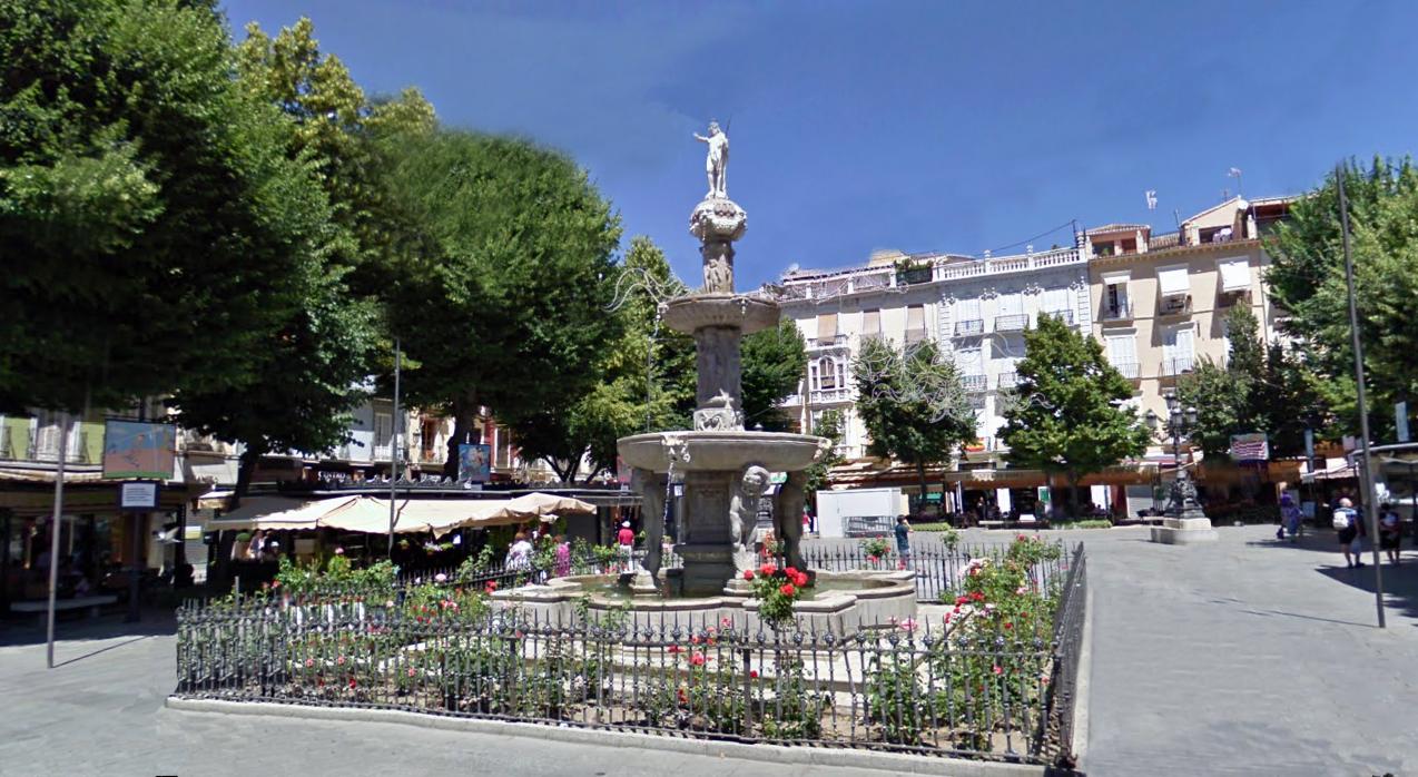"""Ruta: Visitas alrededor de la Catedral de Granada / plaza de Bibarrambla"""