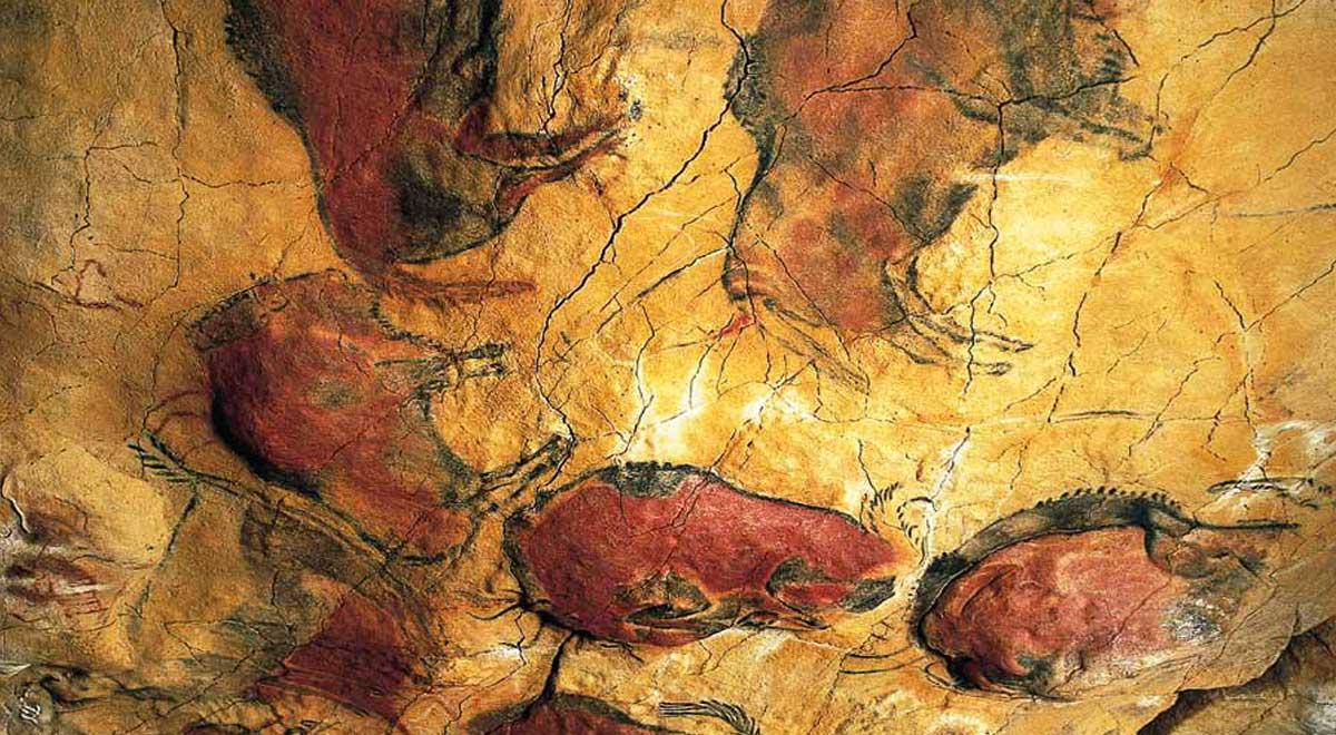 Pintura en la sala de policromos de la Cueva de Altamira
