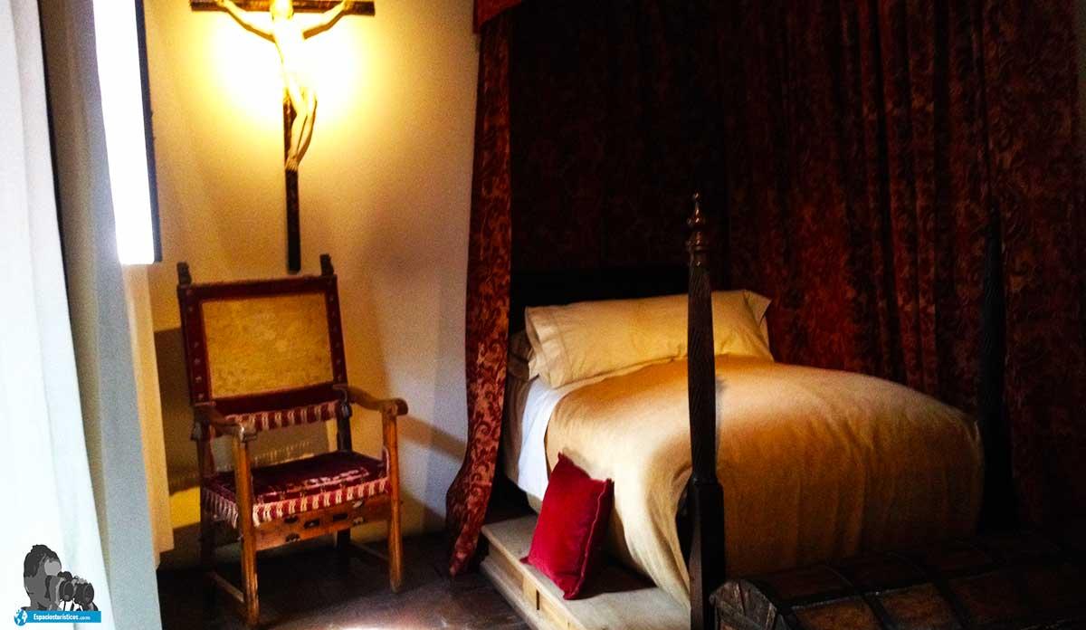 Ruta: Que ver en el museo casa natal de Cervantes /Alcoba del caballero
