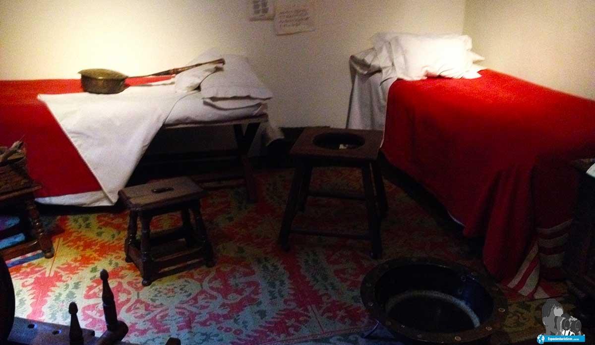 Ruta: Que ver en el museo casa natal de Cervantes /Alcoba de mujeres y niños
