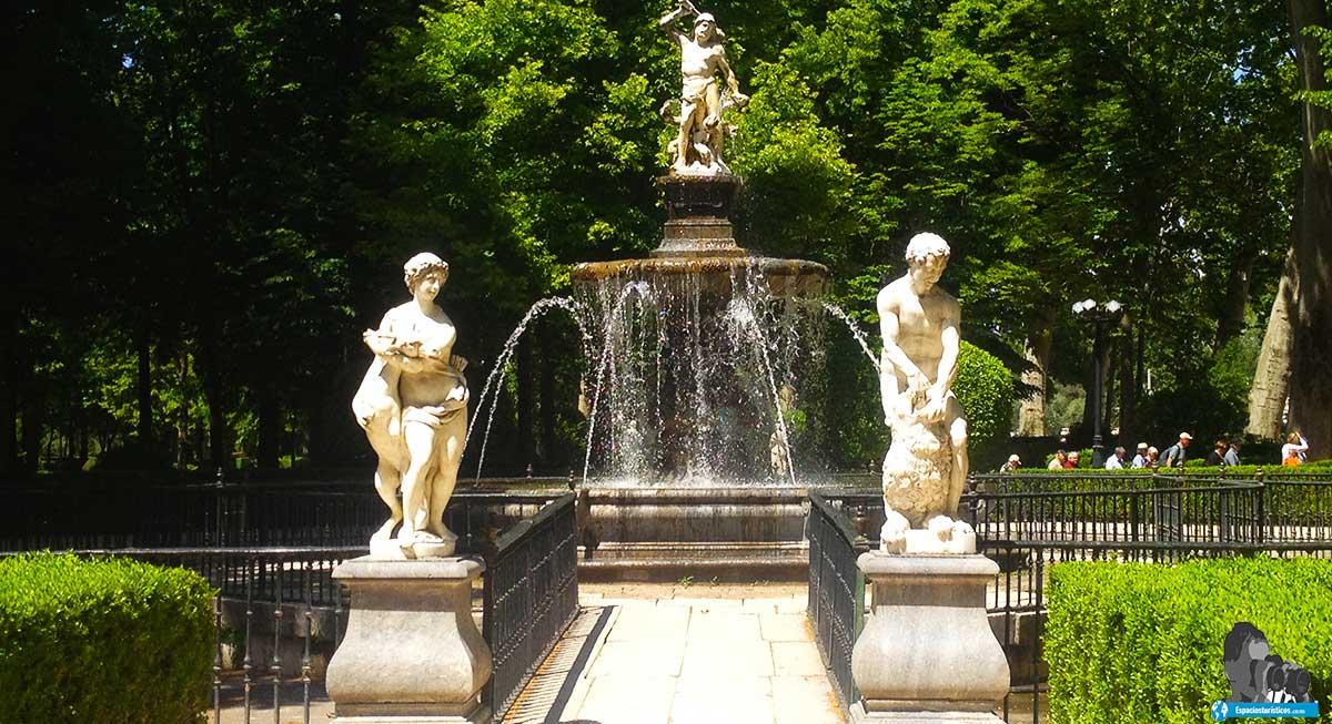 Ruta: Que ver en el jardín de la Isla. / Fuente de Hércules e Hidra.