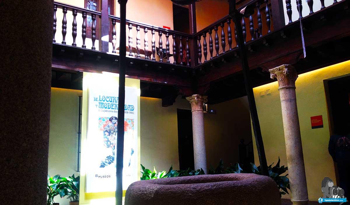 Ruta: Que ver en el museo casa natal de Cervantes / Patio central