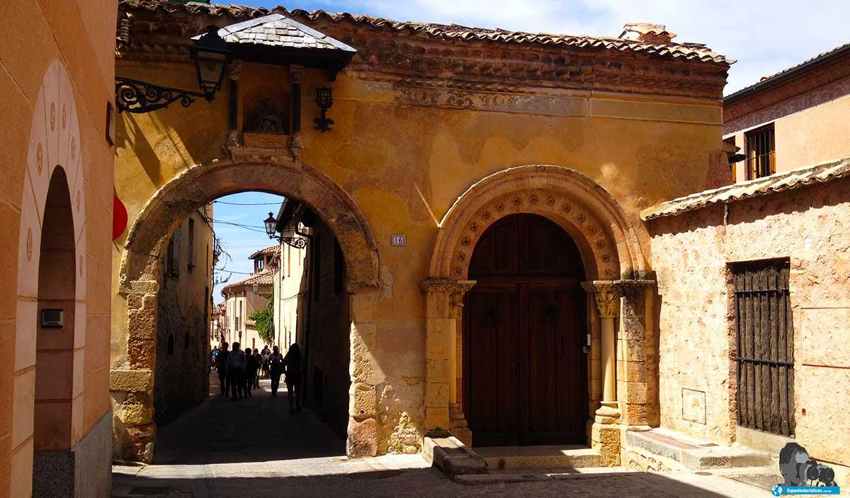 que ver en Segovia: Puerta de Clausura