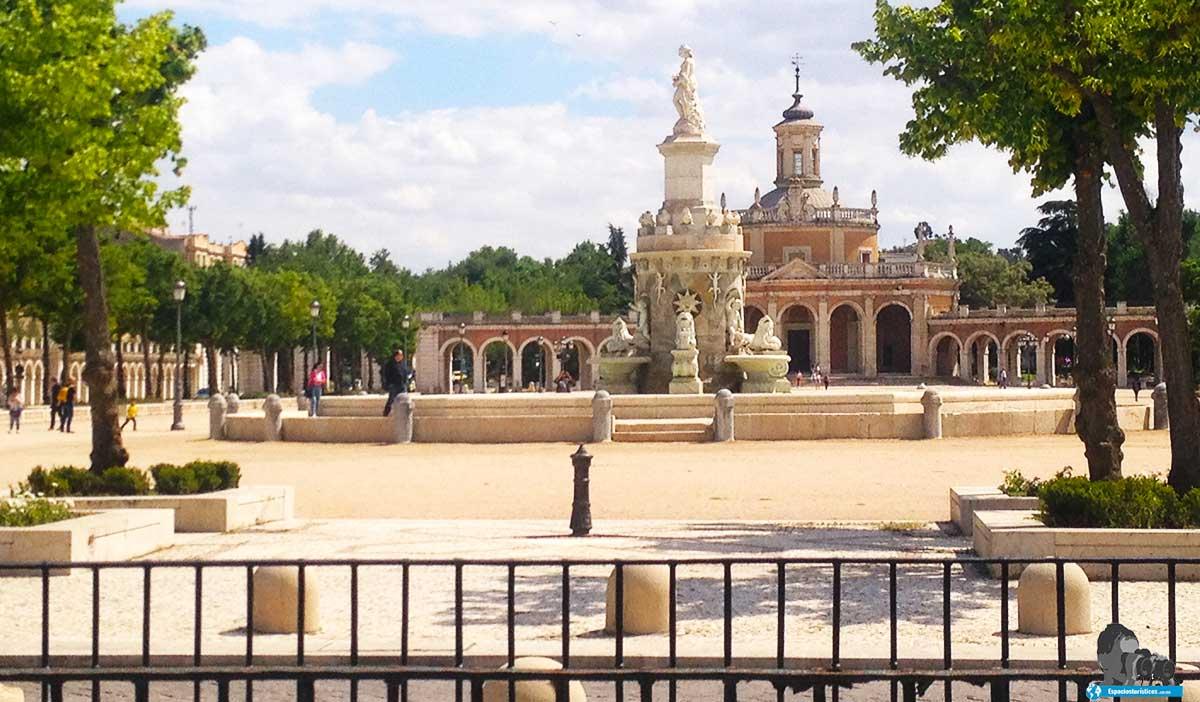 Ruta: que ver en Aranjuez. / Plaza de San Antonio.