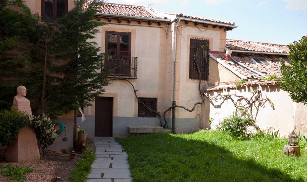 Ruta: Que ver en Segovia. / Pensión donde se alojó Antonio Machado.