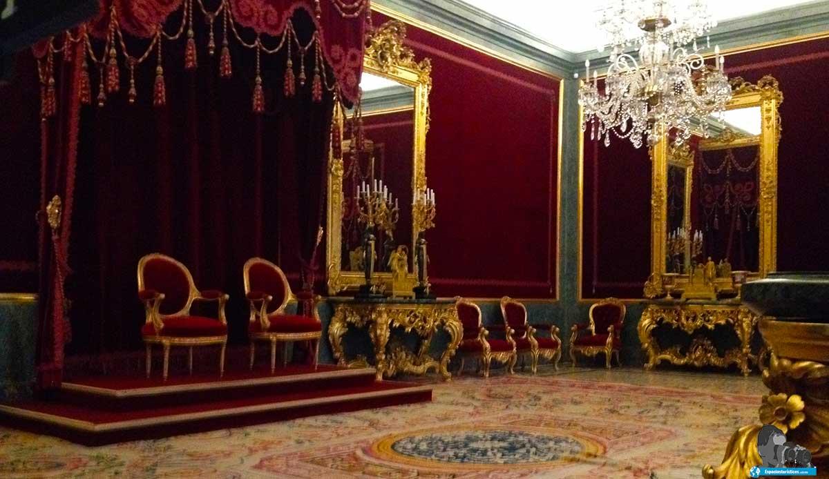"""""""Ruta: Que ver en el Palacio Real de Aranjuez. / Salón del Trono."""""""