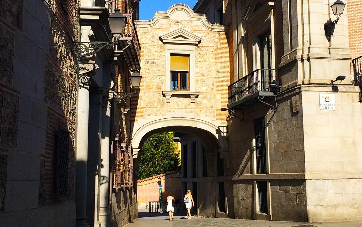 Ruta: Que ver en el Madrid de los Austrias. / Pasadizo Casa de la Villa con Casa de Cisneros