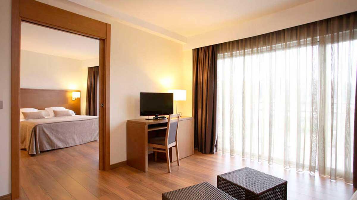Escapada al Hotel Thalasso Cantábrico Las Sirenas spa