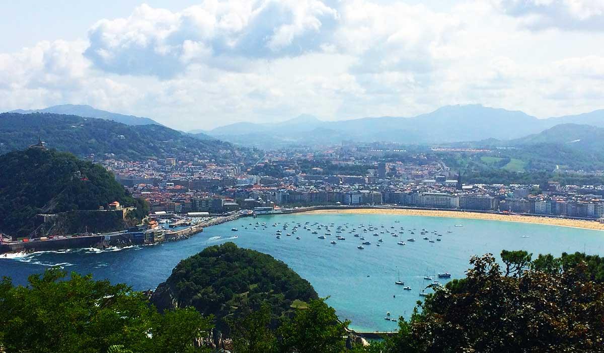"""""""Vista panorámica de la Bahía de San Sebastián desde el mirador de Monte Igueldo."""""""