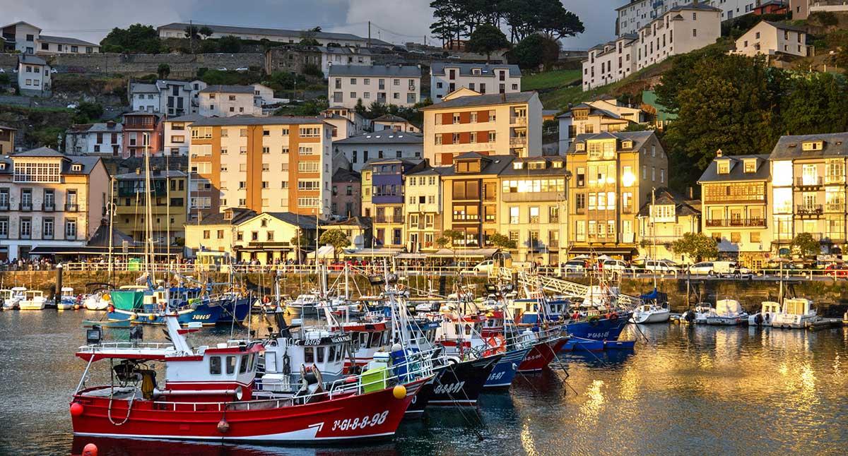 """""""Ruta: 9 pueblos costeros de Asturias. / Luarca."""""""