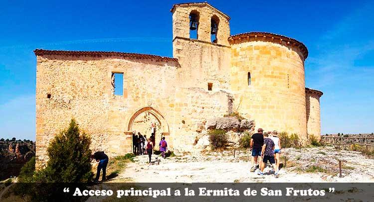 Acceso principal a la Ermita de San Frutos