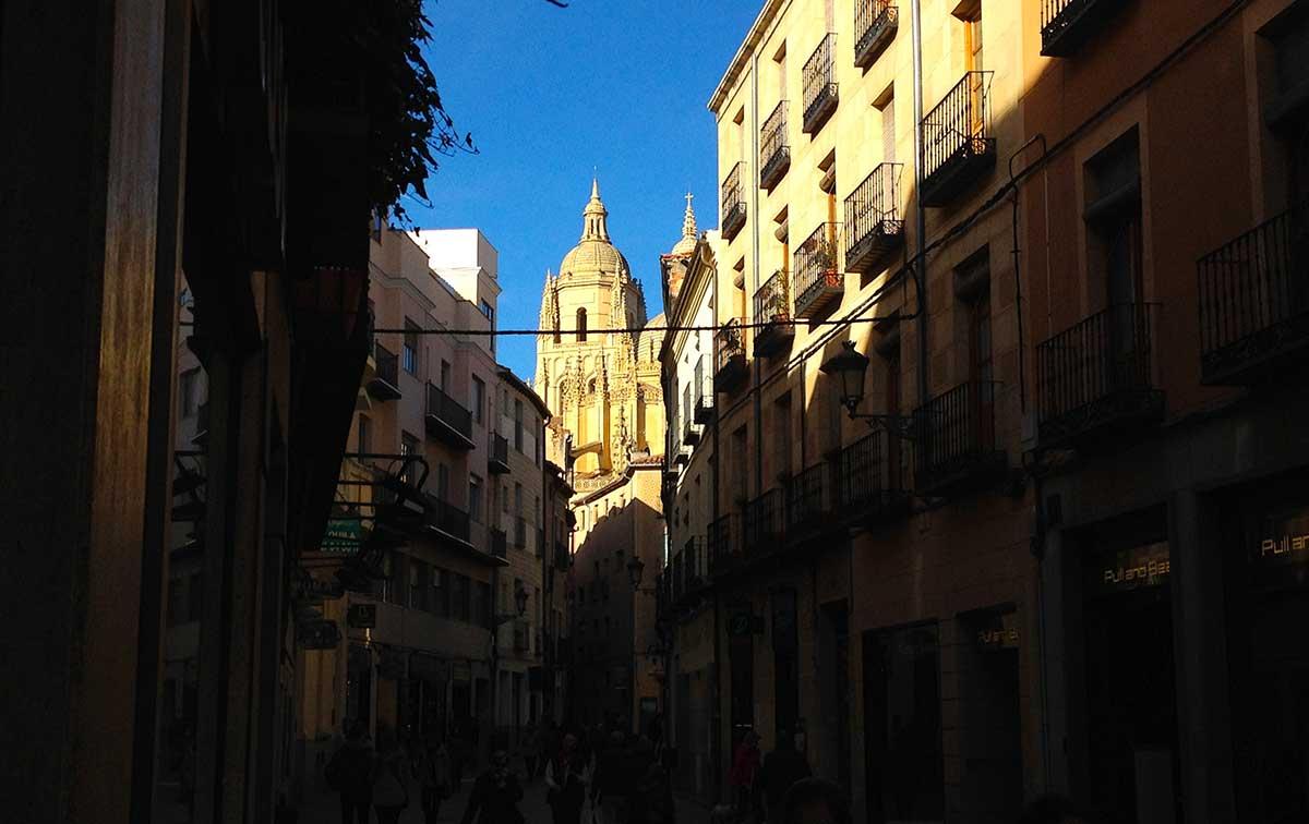 Calle Juan Bravo - Que ver en Segovia