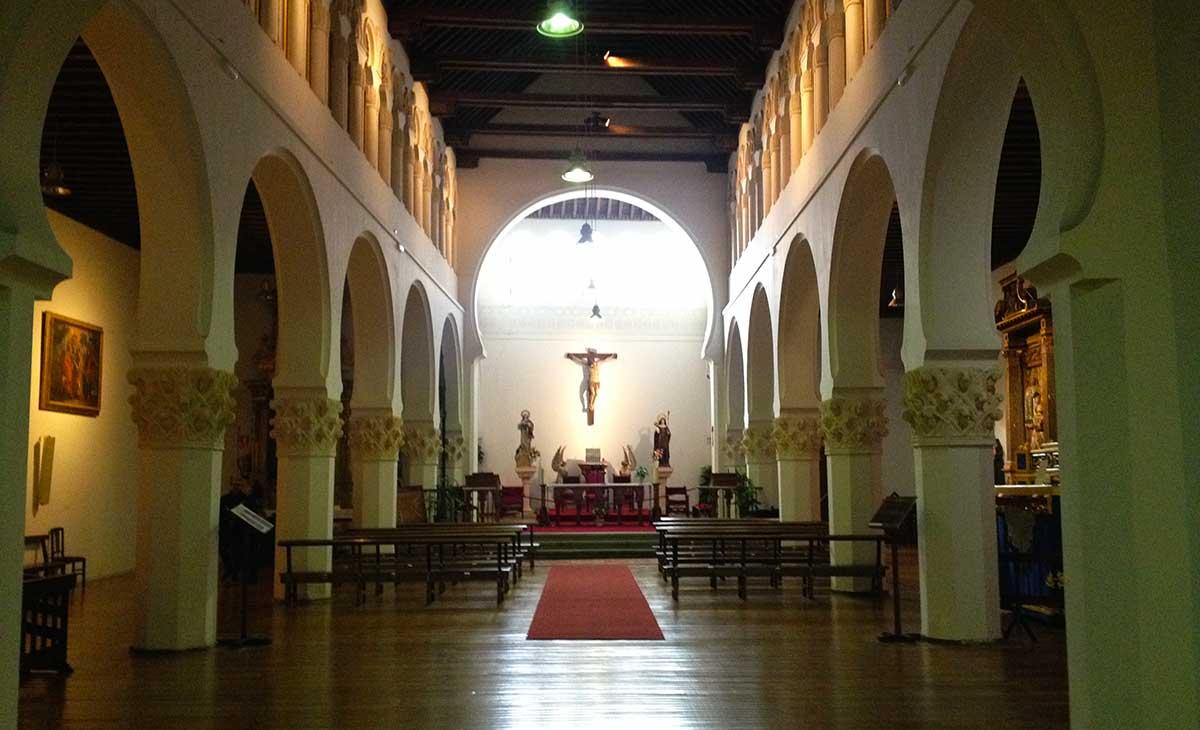 Interior de la iglesia Corpus Christi.