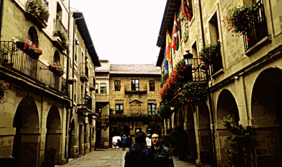 Ruta: que ver en Laguardia. / Plaza Mayor de Laguardia.