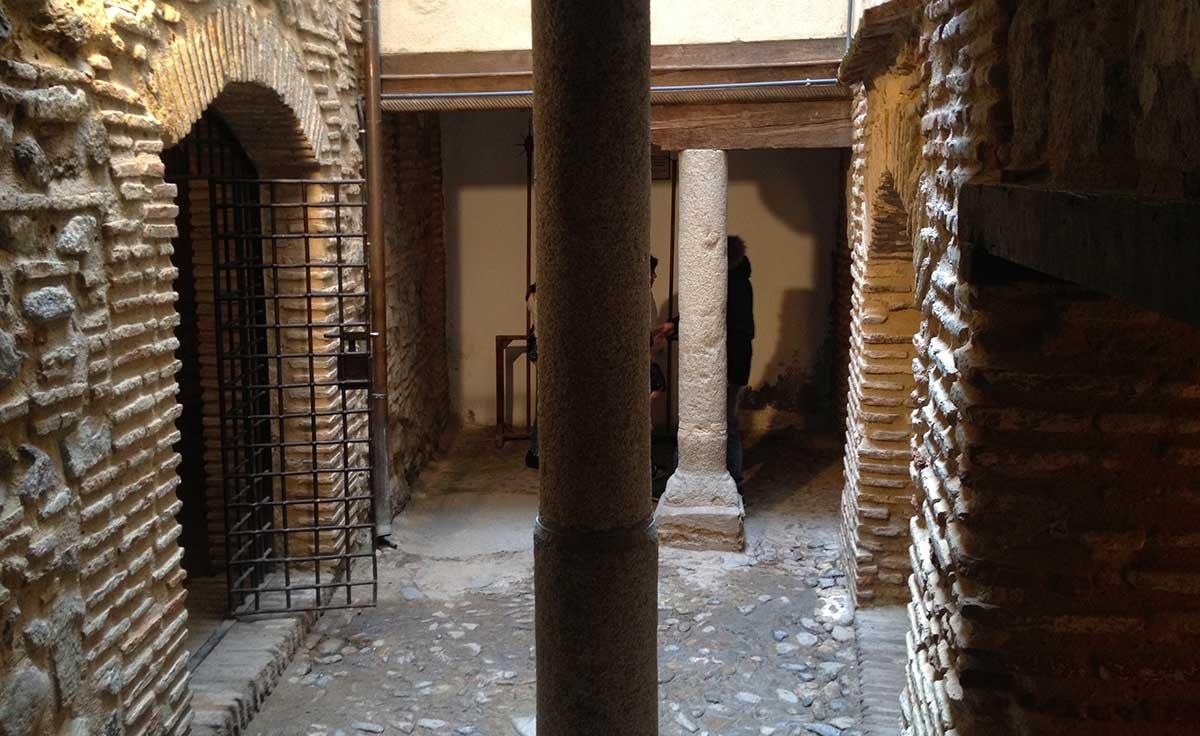 Patio de mazmorras en la Posada de la hermandad de Toledo