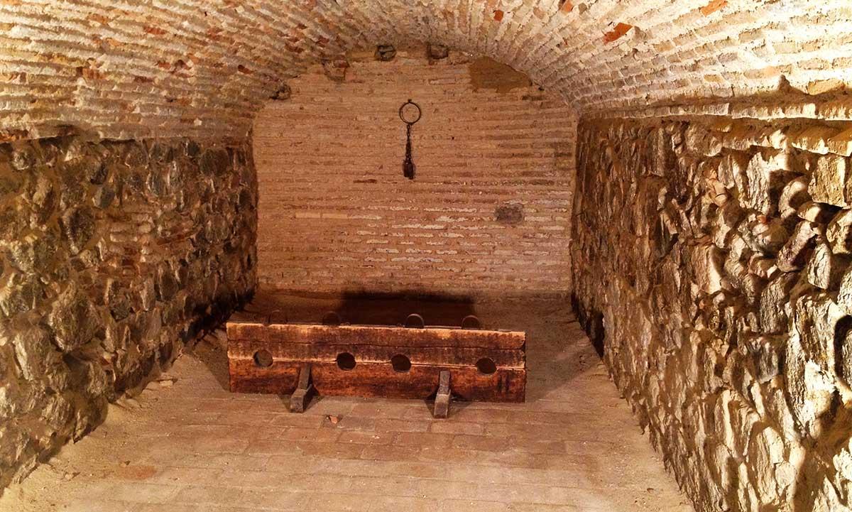 Interior de la celda o mazmorra