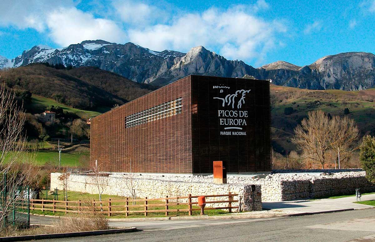 Ruta: Que ver en Cangas de Onís. / Centro de interpretación de los Picos de Europa.