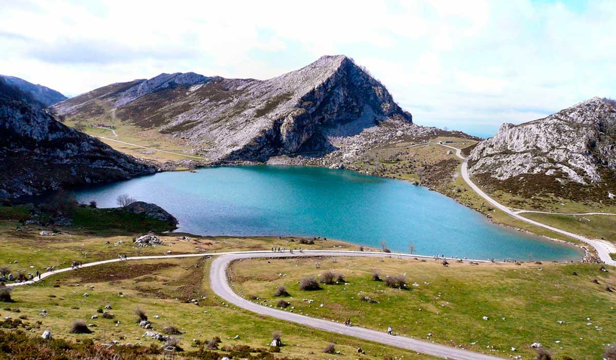 Ruta: Que ver en Cangas de Onís. / Lago Enol.