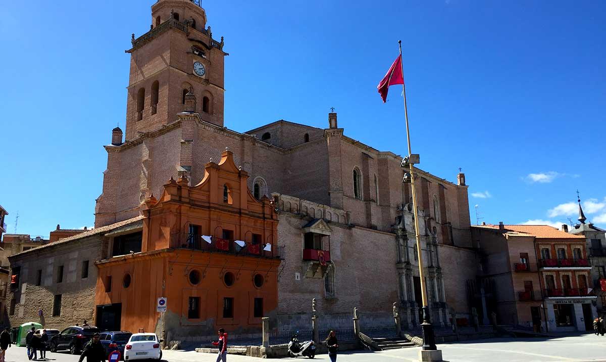 Torre y Colegiata de San Antolín