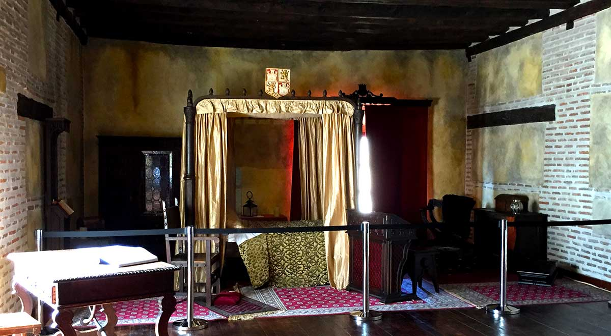 Dormitorio donde murió la Reina Isabel la Católica en Palacio Real Testamentario de Medina del Campo.