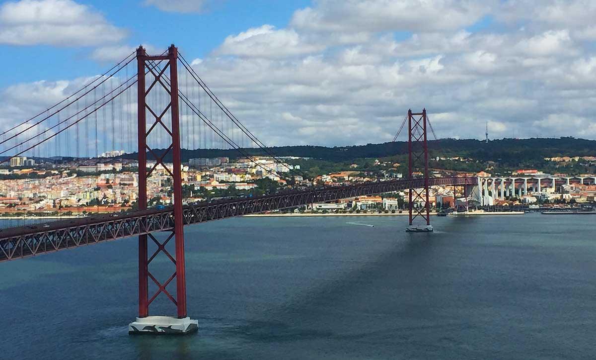 Puente 25 de Abril de Lisboa.