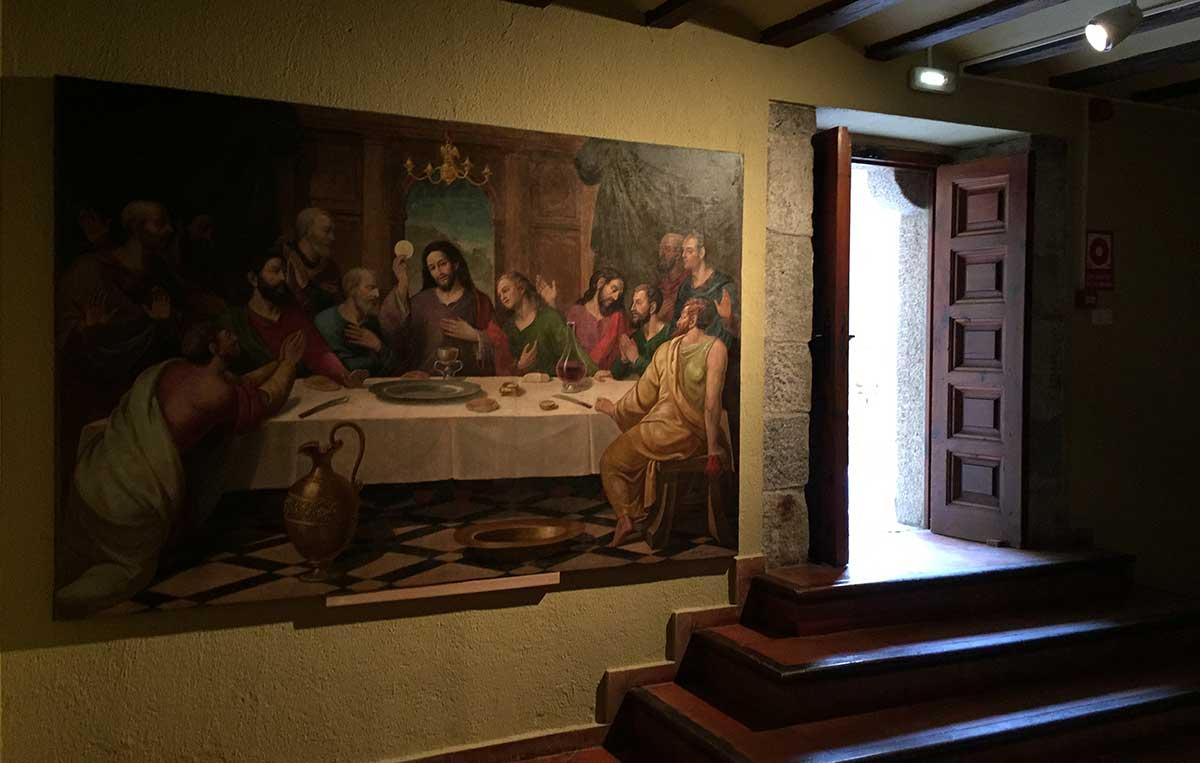 Sala anterior de acceso al Patio de Armas y sala de audiovisuales