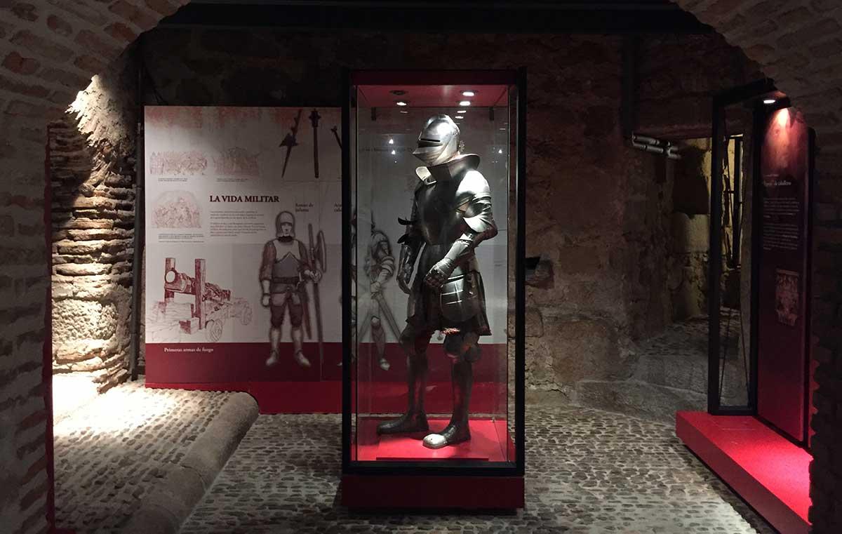 Sala del centro interpretativo del castillo de Manzanares el Real.