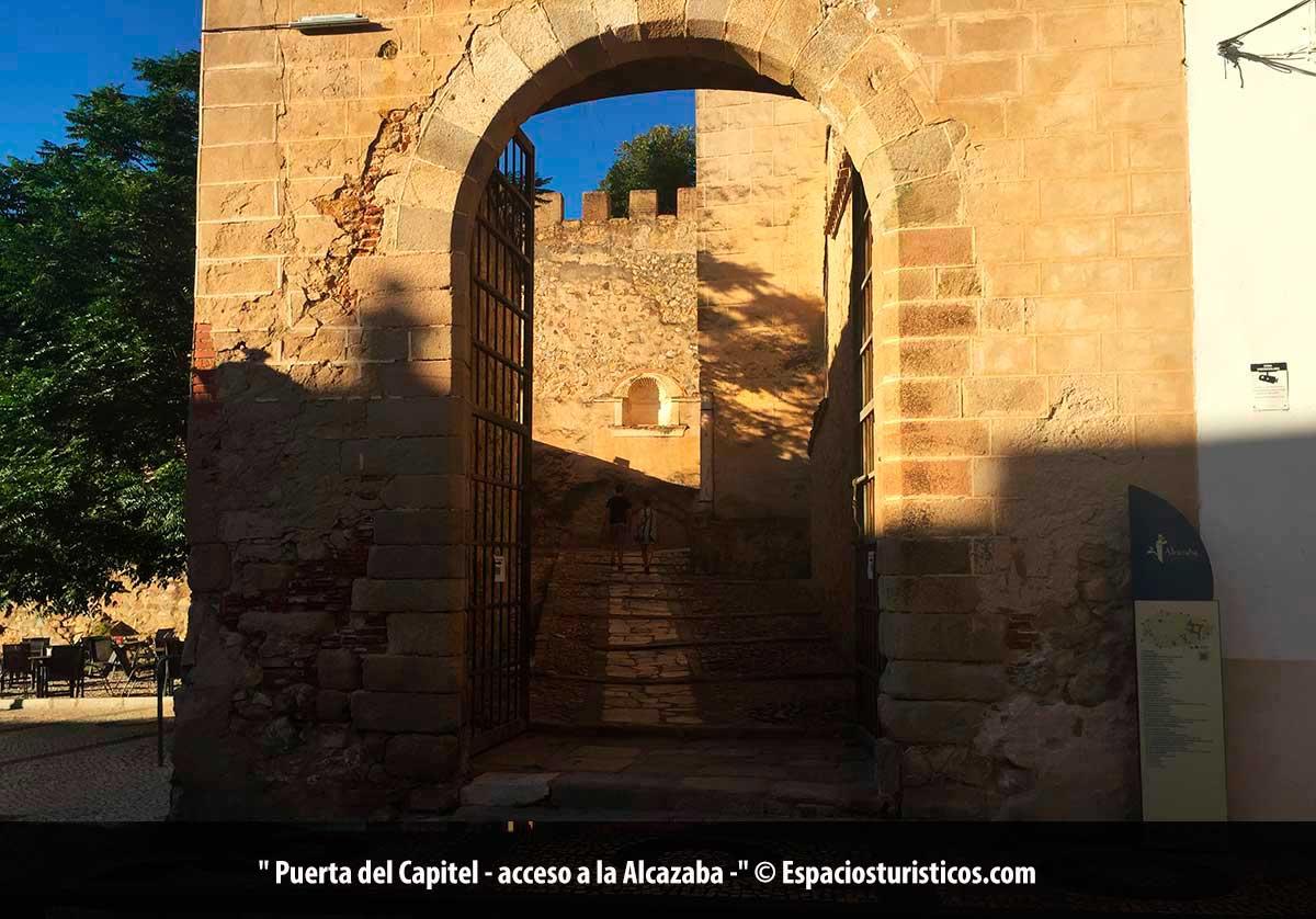 Puerta del Capitel de la Alcazaba de Badajoz