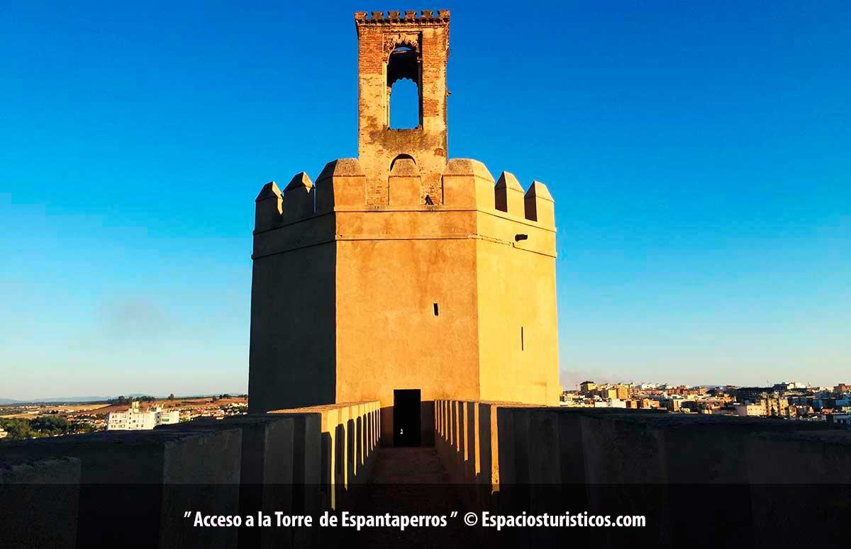 Torre de Espantaperros en Badajoz / Extremadura / España