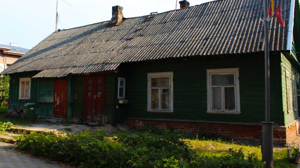 casas típicas de colores llamadas Caraítas en Trakai