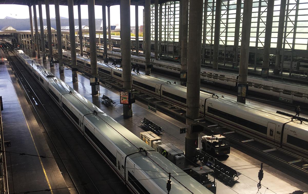 Andenes de Estación Puerta de Atocha de Madrid: Trenes larga distancias Alta Velocidad en Atocha
