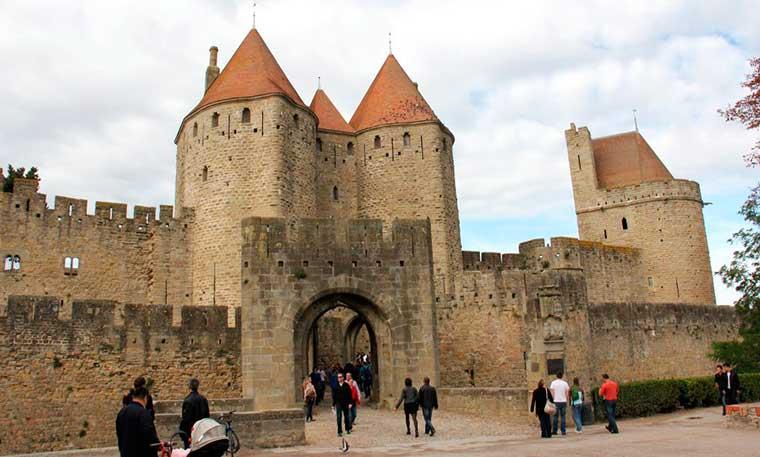 Puerta Narbona del castillo de Carcassonne