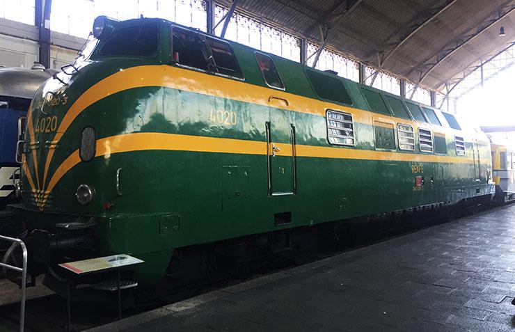 """"""" Locomotora Diésel del museo del ferrocarril de Madrid."""