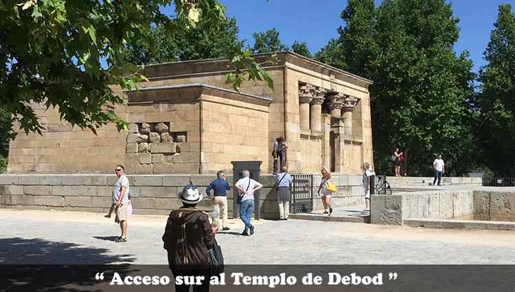 Acceso sur al Templo de Debod
