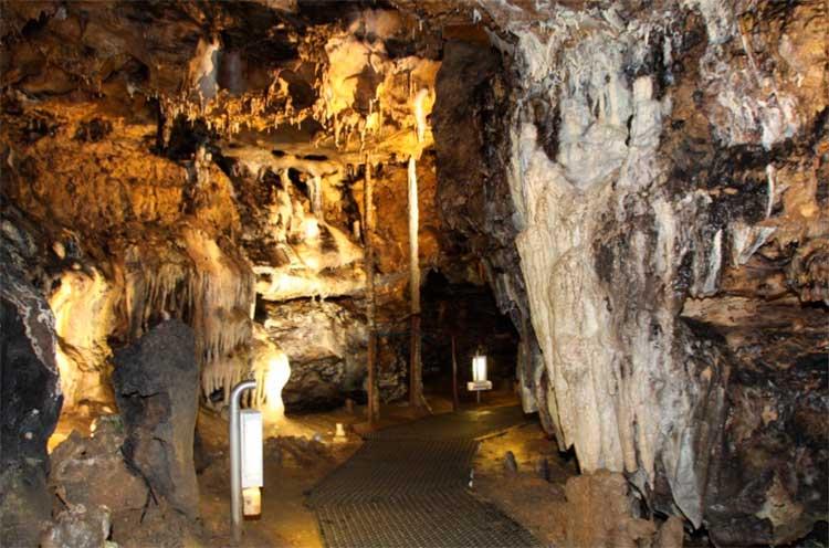 Pasillo de la Cueva ce los Enebralejos
