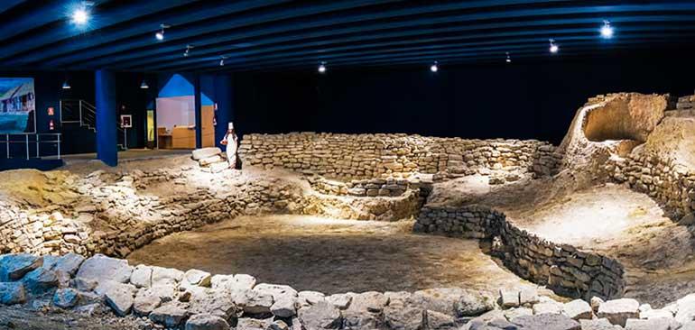 Yacimiento arqueológico  y museo del poblado de Hoya