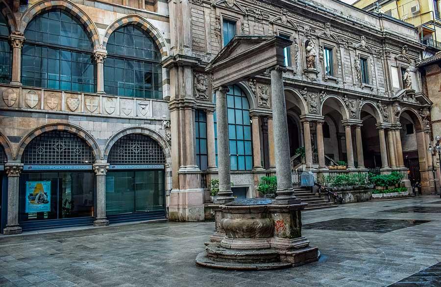 Piazza Dei Mercanti de Milán