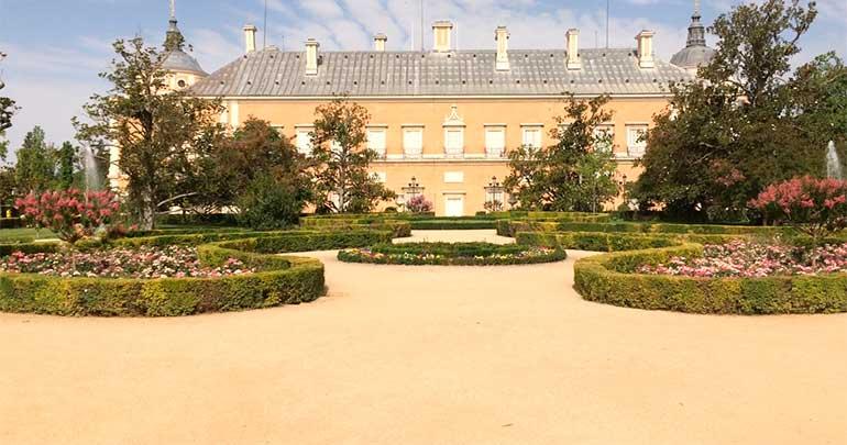 Vista panorámica del jardín del Parterre del Palacio Real de Aranjuez